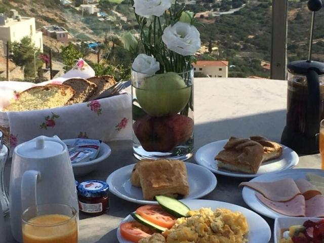 Breakfast Adrakos Apartments